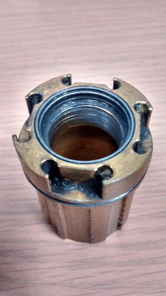 Fatsno rear hub bearing issue (already!)-bad-bearing-stuck-hub.jpg