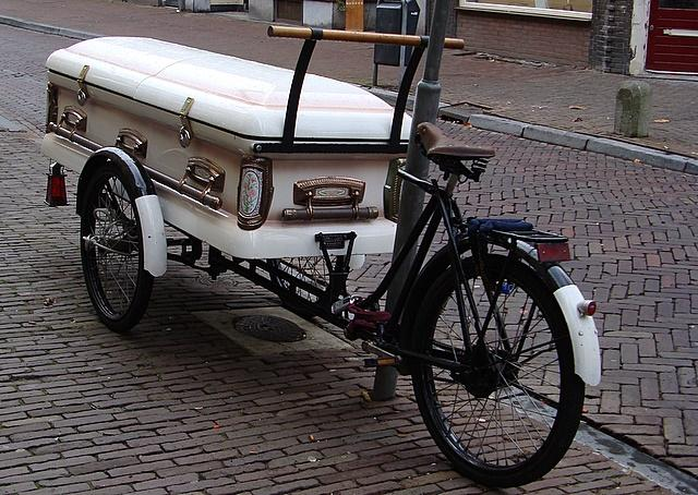 If you call an ambulance in Wales, you might get a bike-bakfiets.jpg