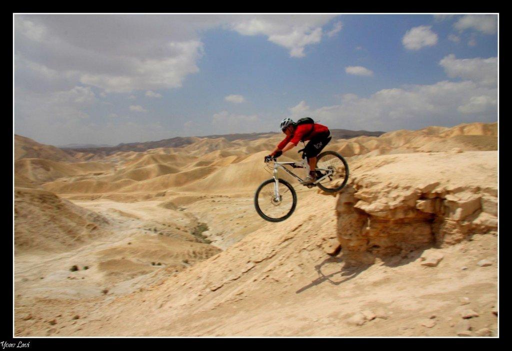 Transition Bikes in midair!-bandit-air.jpg