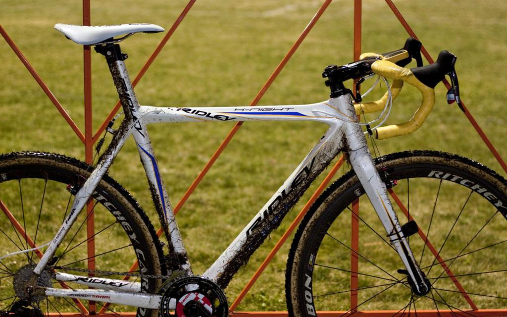 Anyone else feel awkward on drop bars...switch to flats?-bart-wellens-ridley-x-night-cyclocross-bike-img_9649_11.jpg
