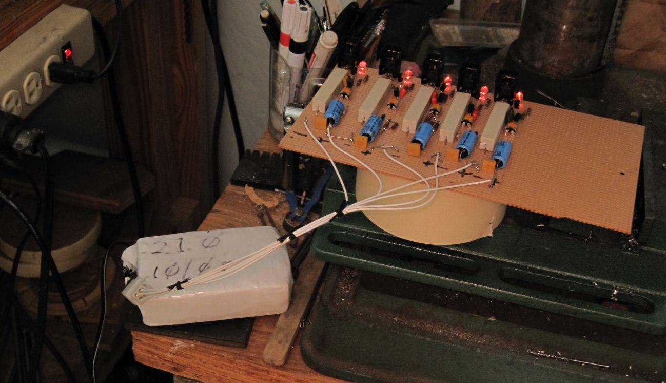 Low voltage warning LED-battery-balancer.jpg