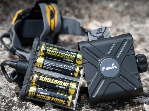 Fenix hp25 headlamp-battery-pack.jpg