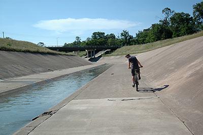 Name:  bayou-bike.jpg Views: 164 Size:  23.9 KB
