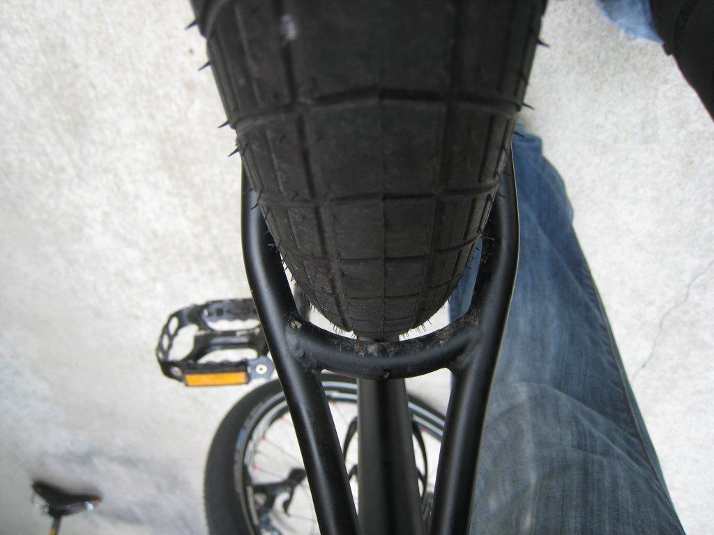 Specialized AWOL gravel grinder-bb_ss2.jpg