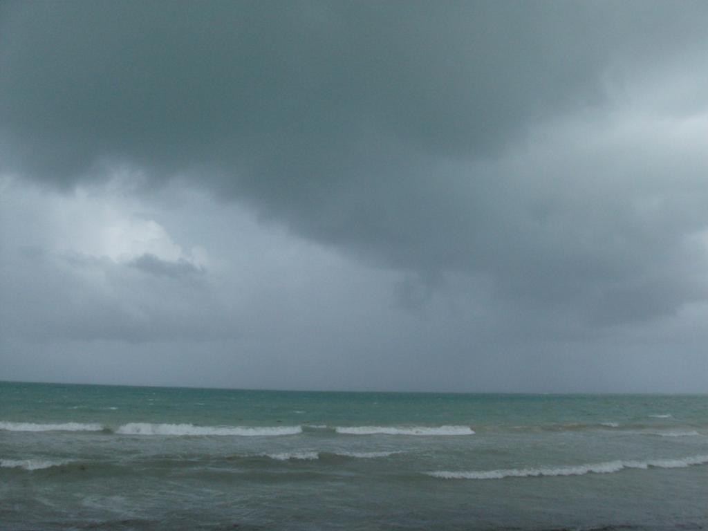 Off to MTB Holguin-beach-4.jpg