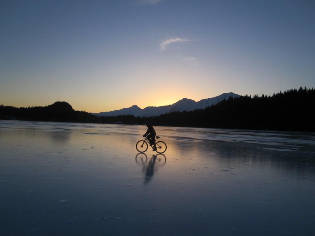 Skinny is the new Fat; ice biking near Seward-bear-lake-.jpg