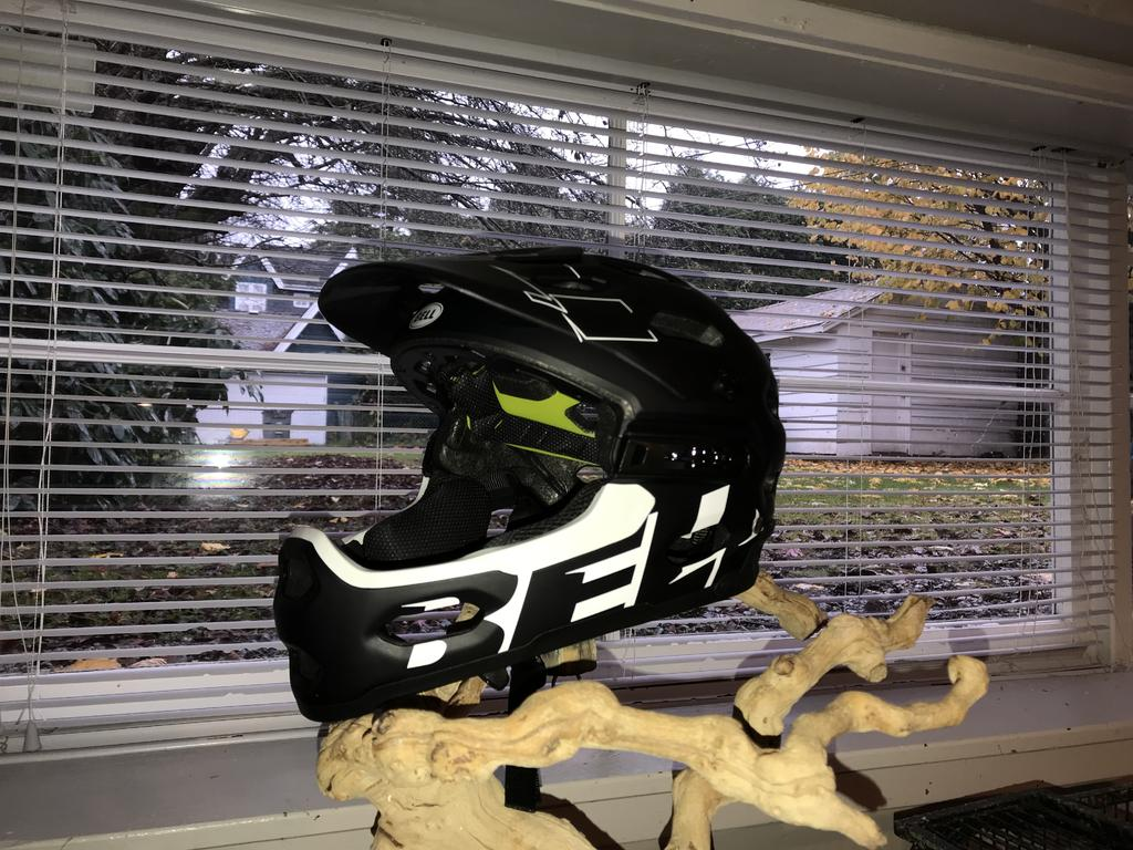 Post a PIC of your latest purchase [bike related only]-bell-helmet.jpg
