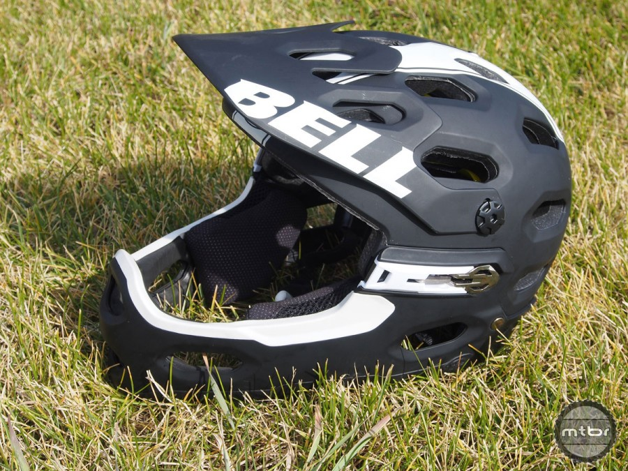 History of the Bell Super 3R Helmet