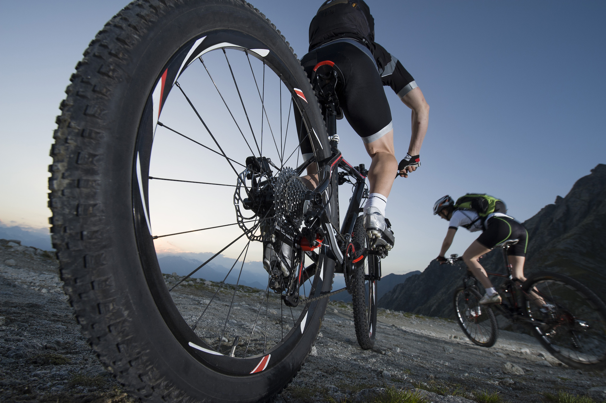 Mountain biking doesn't have to cost thousands of dollars. These are the best mountain bikes under $500 for beginner mountain bikers on a budget.
