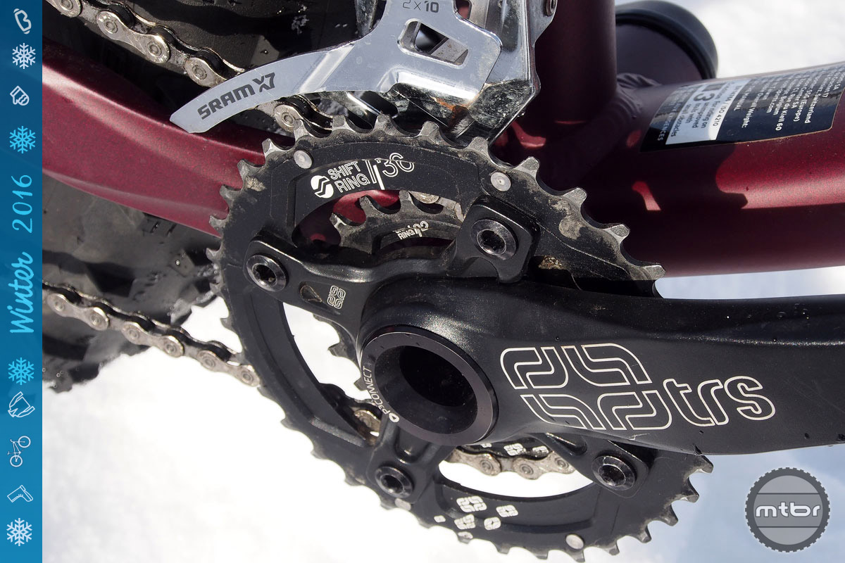 SRAM's X9/X7 2x drivetrain provides plenty of gear range, but we'd prefer a 1x set-up.