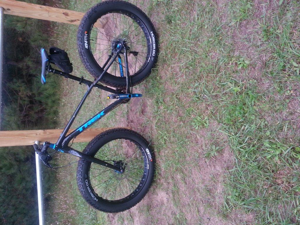 2015 Trek Farley 6 and 8 fat Bikes-bike-1.jpg
