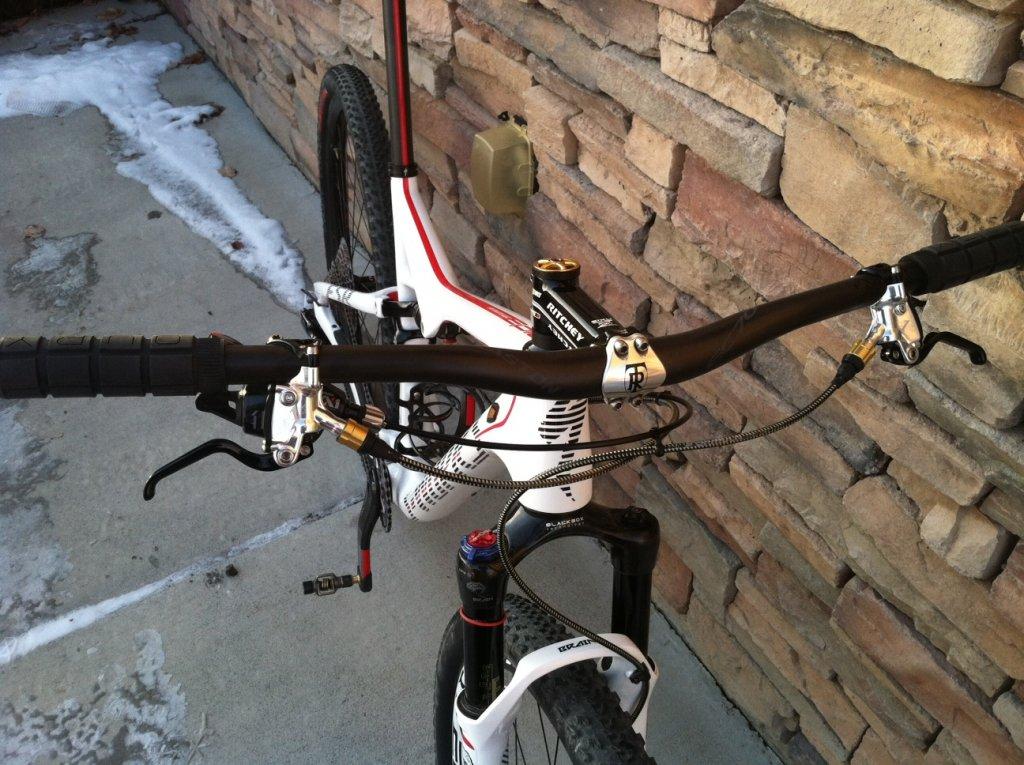 2014 S-Works Epic WC White-bike-2.jpg