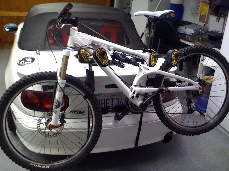 NorCal Rigs that Tacomas Envy-bike-miata2.jpg