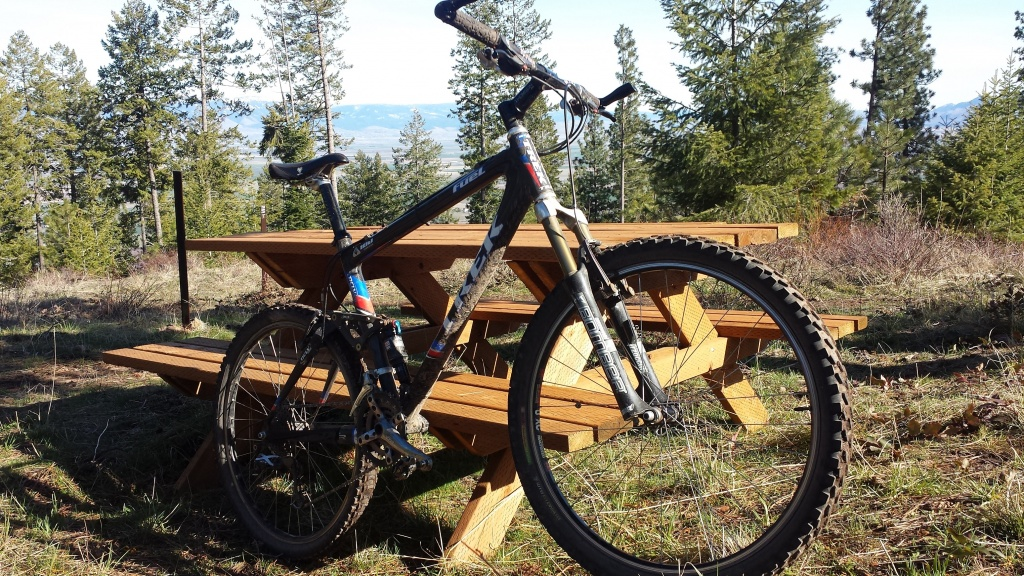 Show us a picture of your 26er MTB that you still use on the trails-bike.jpg