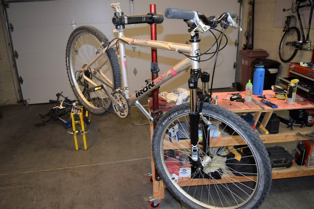 """Iron Horse """"Arrow"""" Aluminum 26er Background?-bike.jpg"""