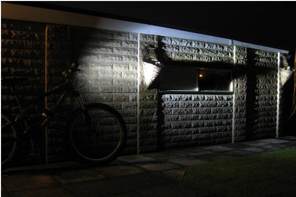 Jonny 5 mk1 diy light (1800 lm max)-bike-long.jpg