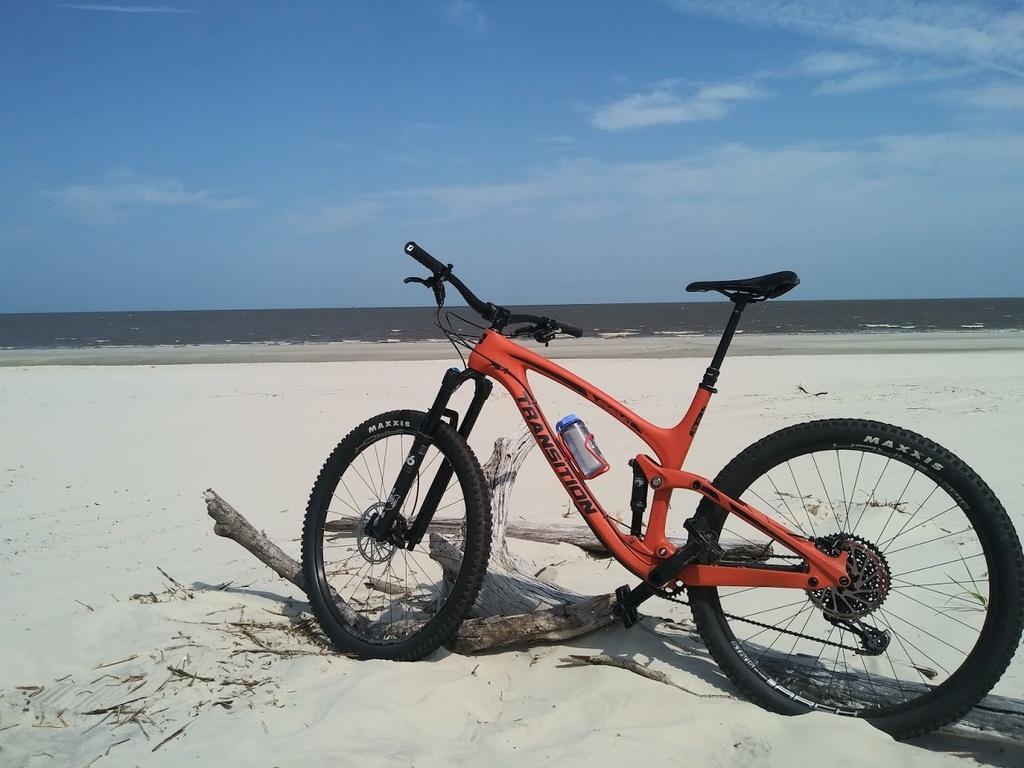 From Single Speeding to Smuggling!-bike-meets-beach.jpg