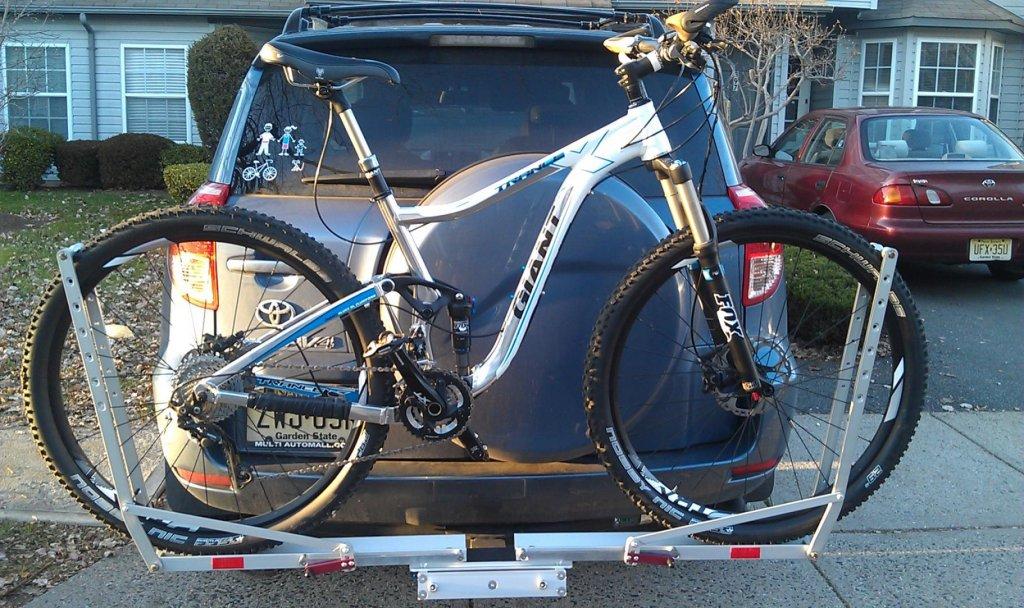 Trance X 29 official intro-bike-n-rack.jpg