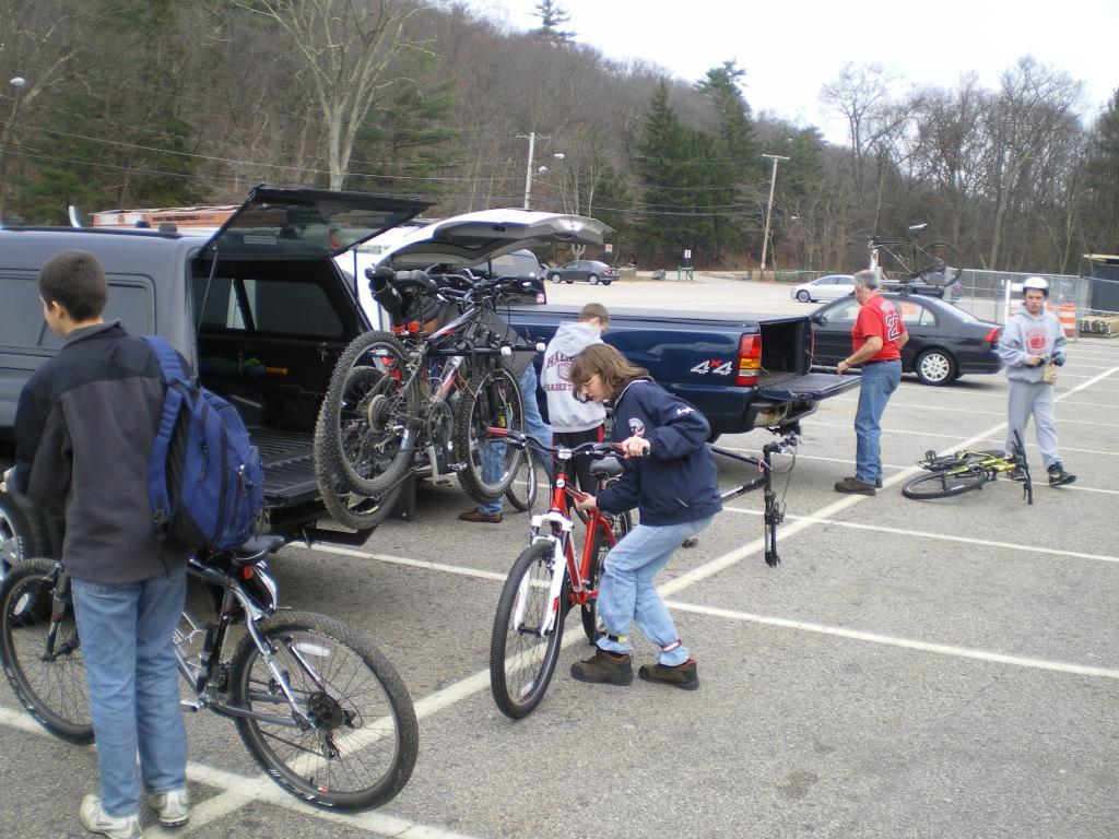 """2"""" Hitch Bike Rack that holds 4 or 5 bikes under 0.00 any good ones ??-bike-rack-2.jpg"""