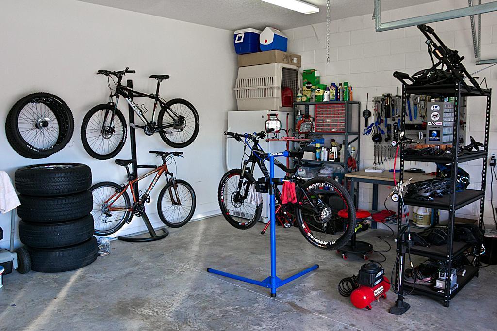 "The ""What's your shop look like?"" thread-bike-repair-shop-update_img_7626-edit.jpg"