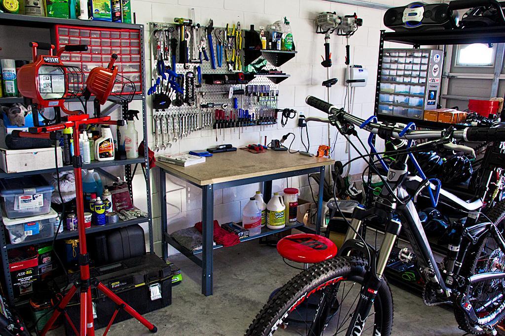 "The ""What's your shop look like?"" thread-bike-repair-shop-update_img_7636-edit.jpg"