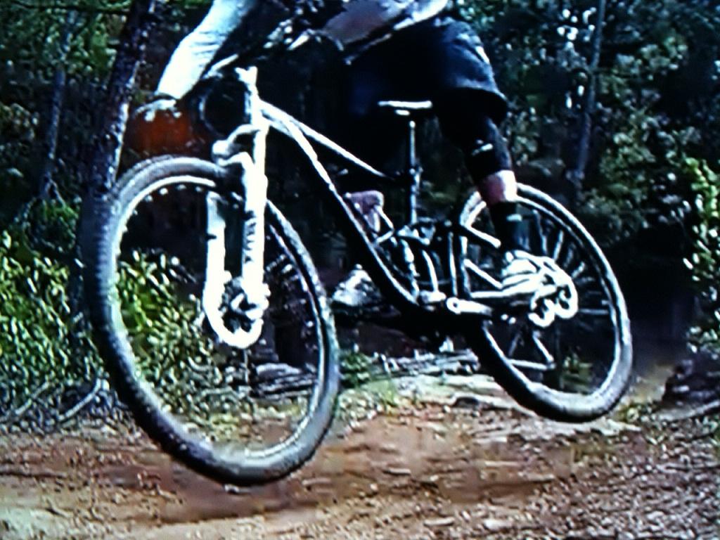 Trance X 29er Caught in Action???-bike1.jpg