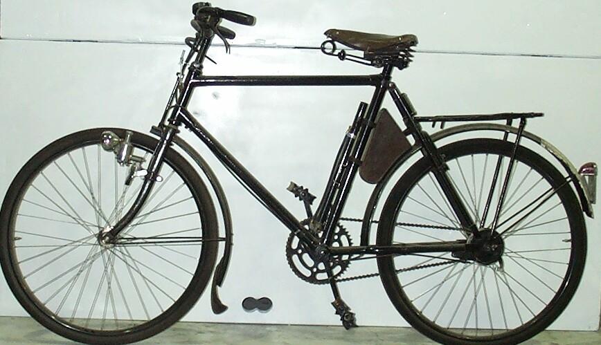 Of  bikes and pizza-bike29130.jpg
