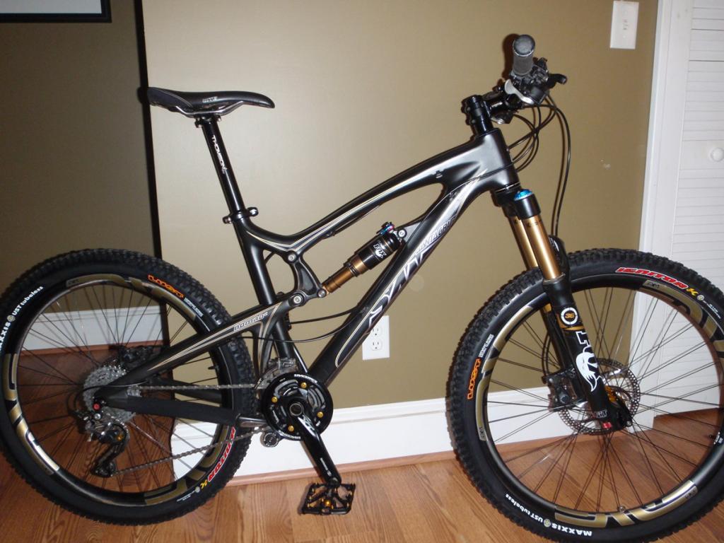 Carbon Nomad Gallery-bike3.jpg