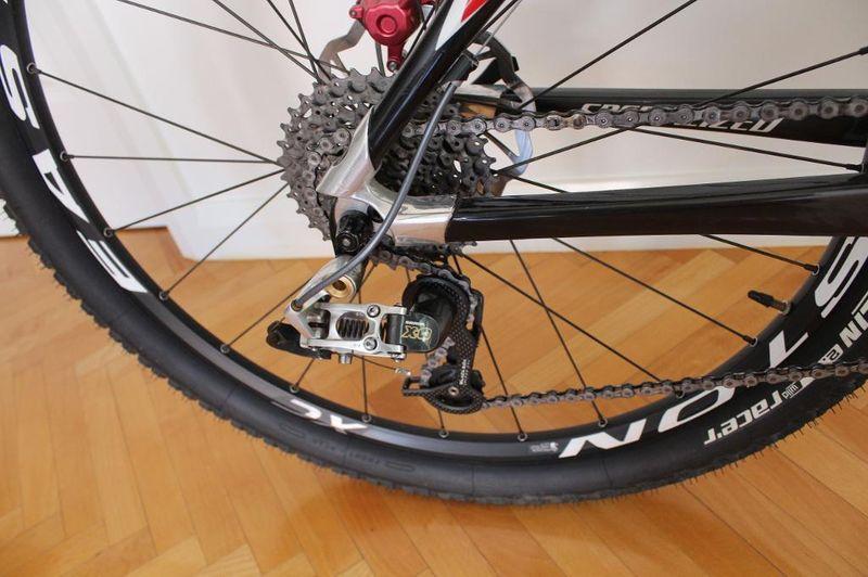 Help! Noob Seeking buying advice on:   Specialized S-Works HT Medium-bike4.jpg