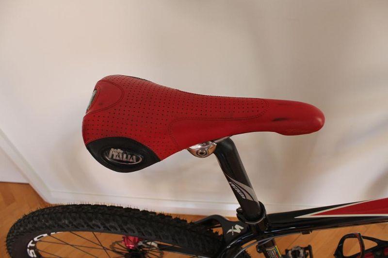 Help! Noob Seeking buying advice on:   Specialized S-Works HT Medium-bike7.jpg