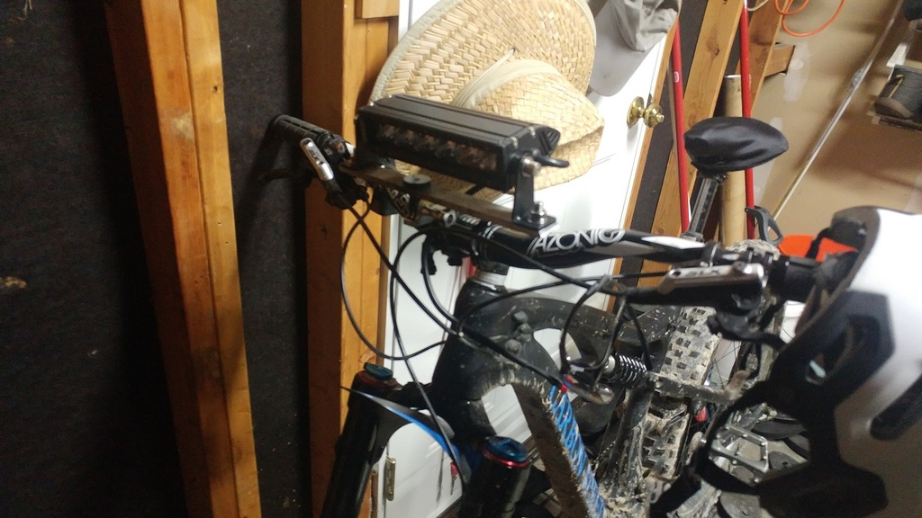 Light bar powered by 18V Ryobi batteries?-bike_light2.jpg