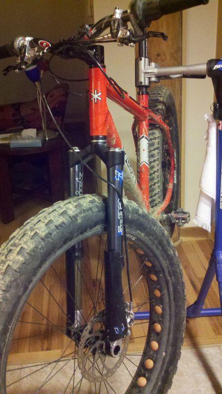 Bike gets early X-mas presents....-bike_with_fork.jpg