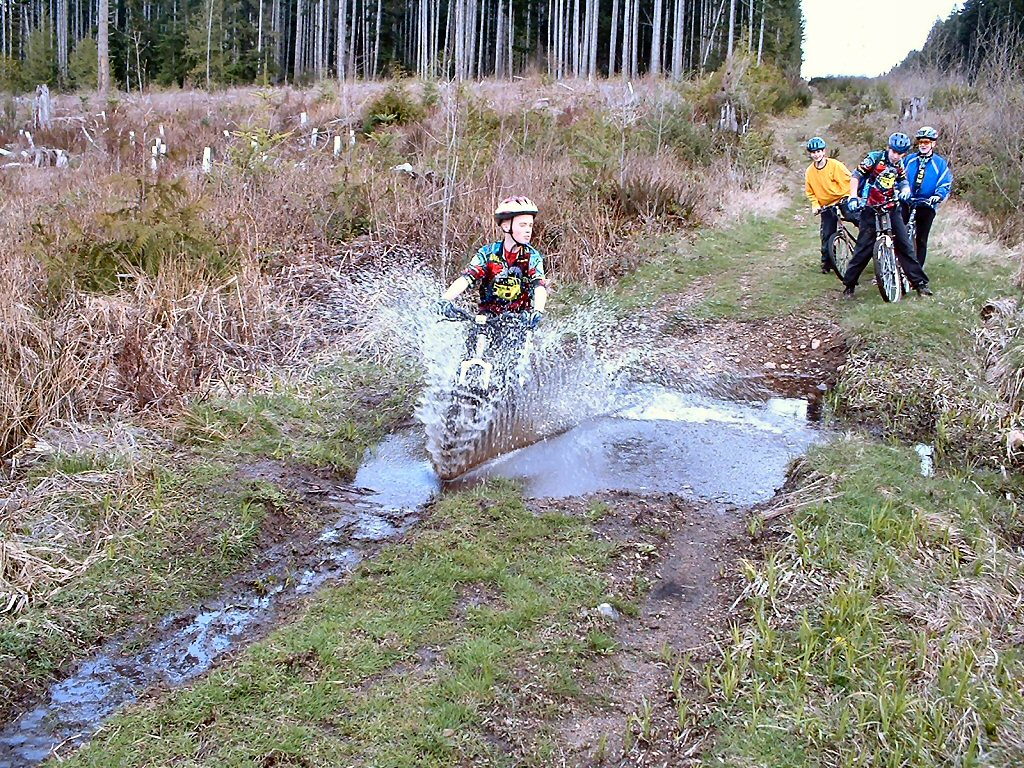 Riding through water.....-bikeclub02132h.jpg