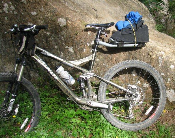 Does anyone else use this setup?-bikepack.jpg
