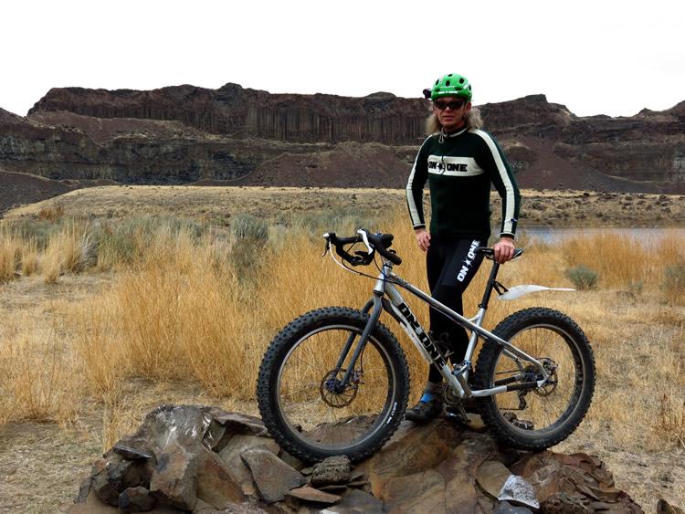 shiggy on the rocks!-bikepose2.jpg