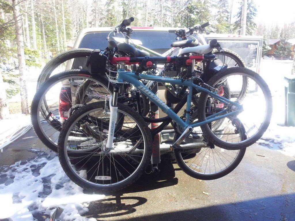 Yakima Swing Daddy 4 Bike Rack With Women S 29er And Kids Bikes