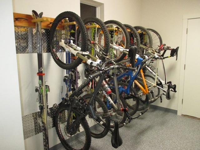 What to do with the bikes-bikerack2.jpg