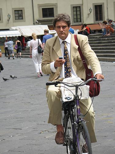 Name:  bikerphone.jpg Views: 193 Size:  125.9 KB