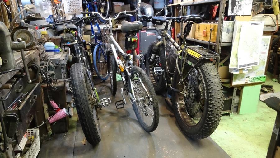 Pics of your bike room/setup, tool layout etc...-bikes-crowded.jpg