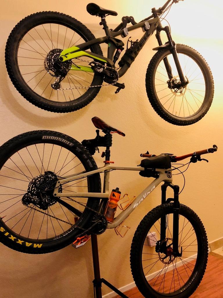 Post your 29 plus! (29+)-bikes.jpg