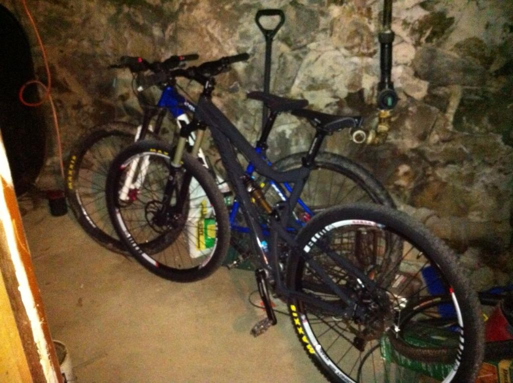 clydes that ride a 29er.... what are you riding?-bikes.jpg