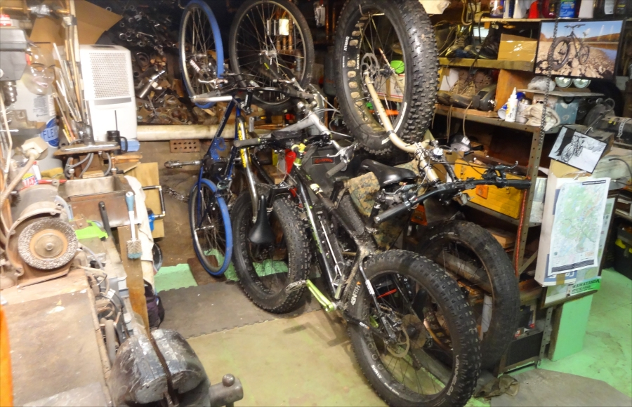 Pics of your bike room/setup, tool layout etc...-bikes-stacked08.jpg