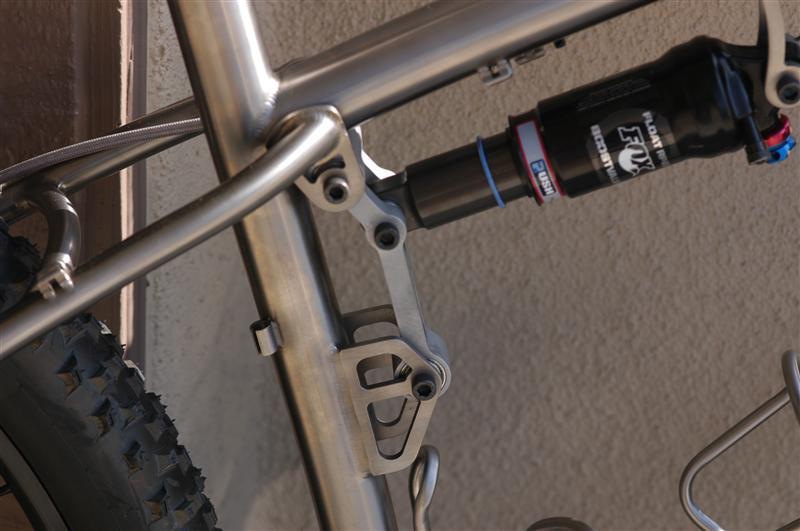 Teaser pics of my BS Highlight ST-black-sheep-full-suspension-29er-010-medium-.jpg