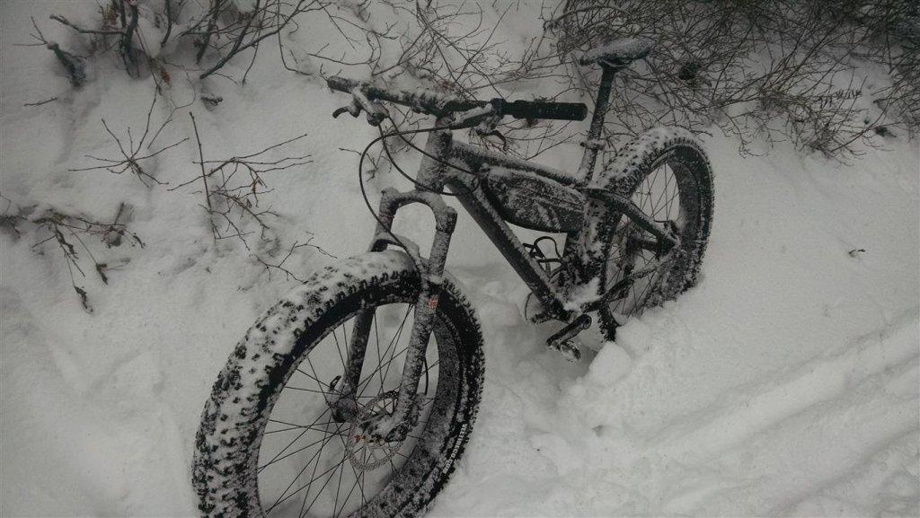 Rocky Mountain Blizzard Fat Bike-blizzard-zenning-snow.jpg