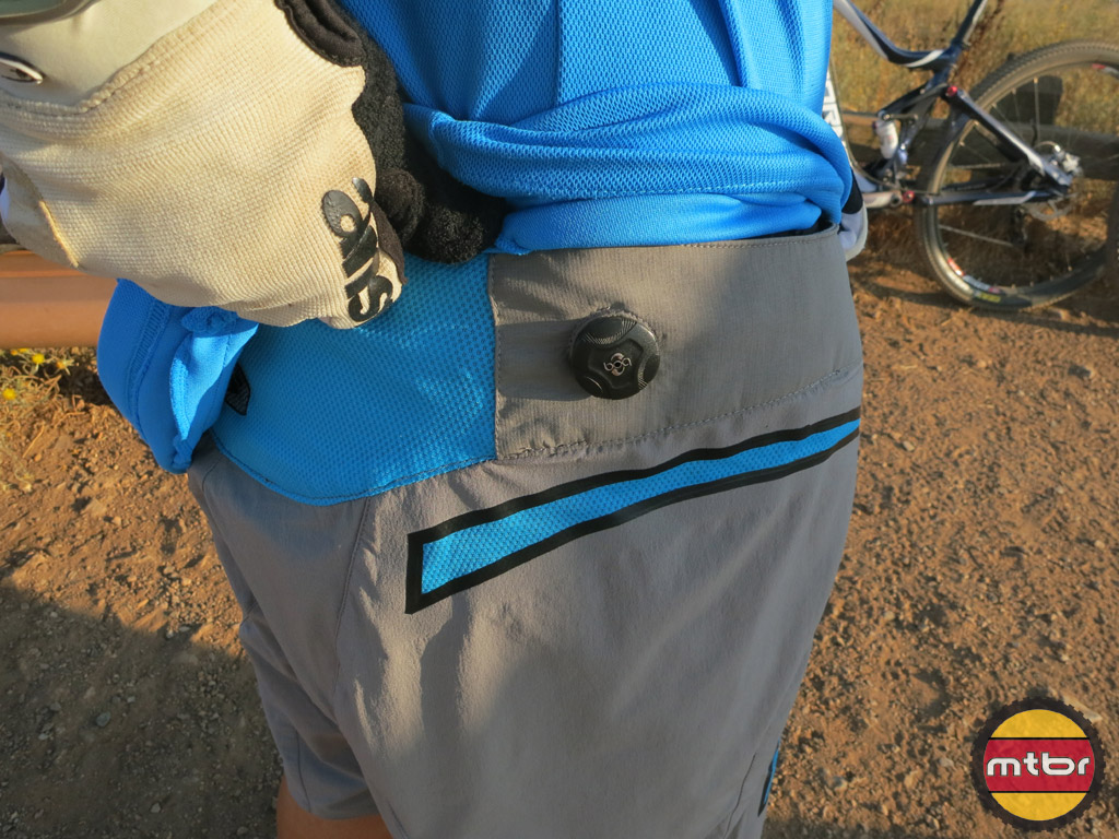 RSX shorts - Boa-closeup