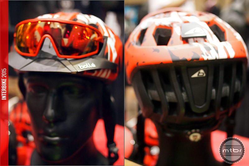 Front and rear view of the One helmet.