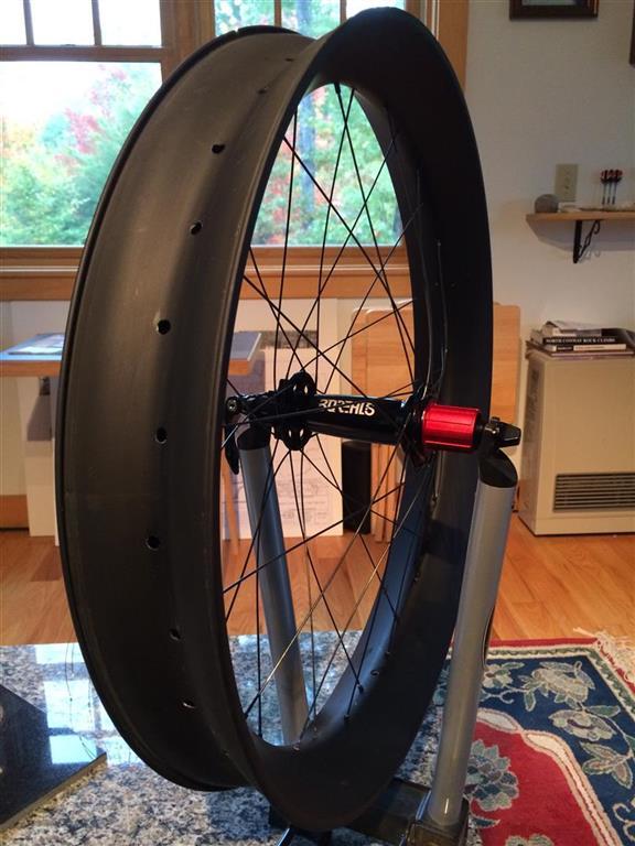 Nextie-Bike carbon rims-borealis-nextie-rear2-medium-.jpg