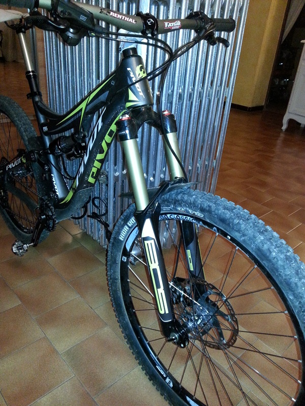 Zigzag's Mach 6 build from France and new cable routing-bos-stickers-green-lime.jpg