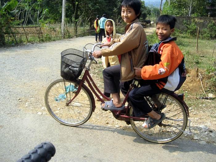 Boys on bike - Wanna race?