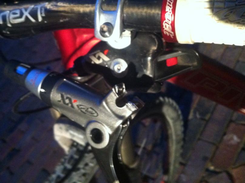 Broken Brake Lever / SRAM XX / Need Advice-broken-avid-xx.jpg
